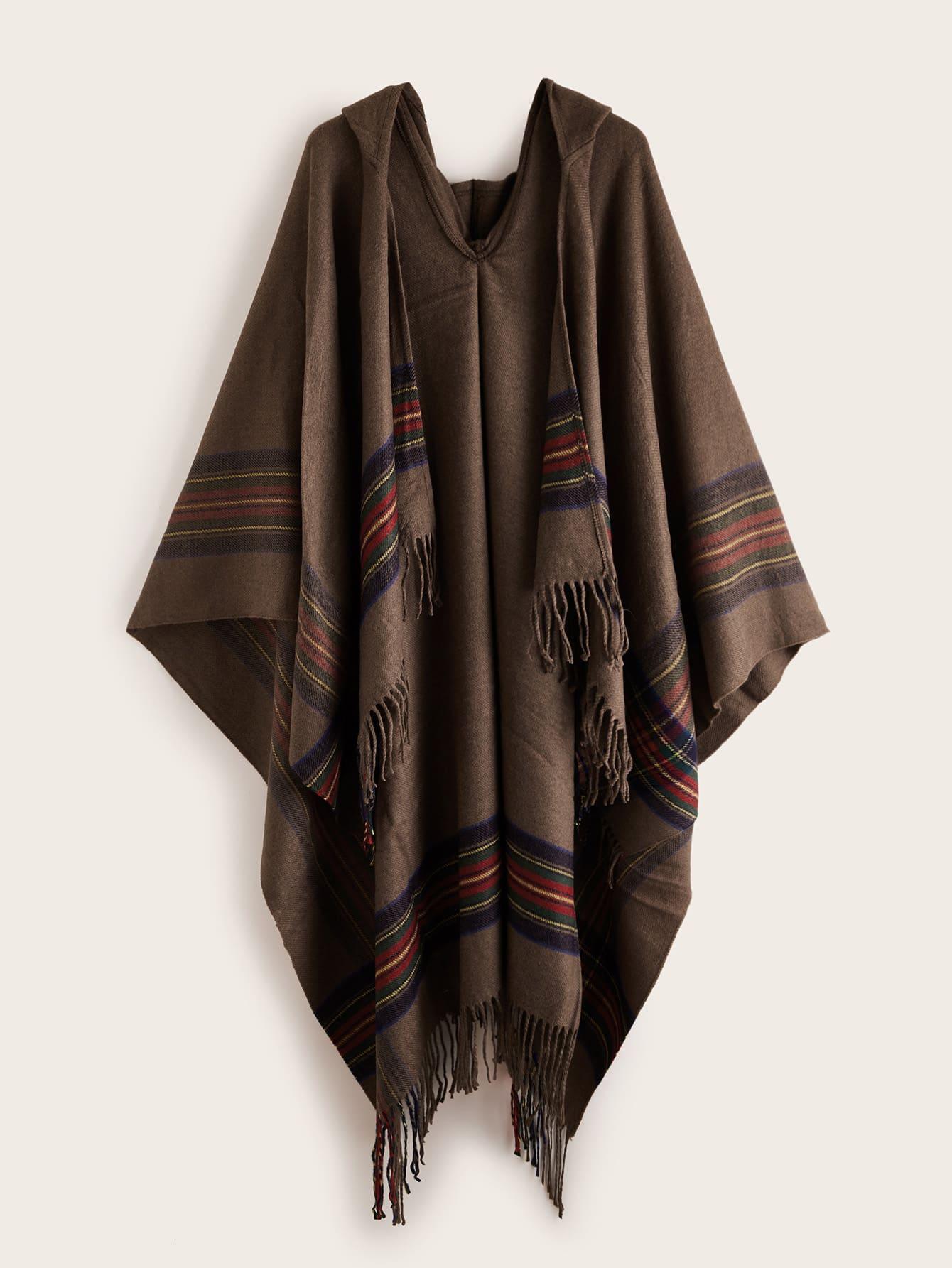 Полосатая шаль с бахромой