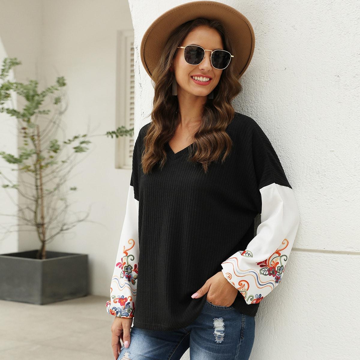 SHEIN / Pullover mit Kontrast Ärmeln und Blumen Muster