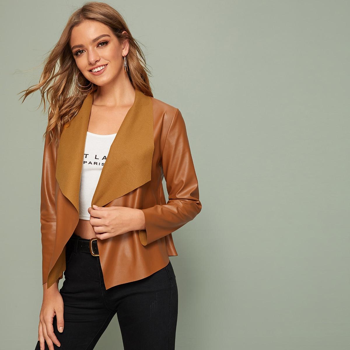 Куртка из искусственной кожи с каскадным вырезом