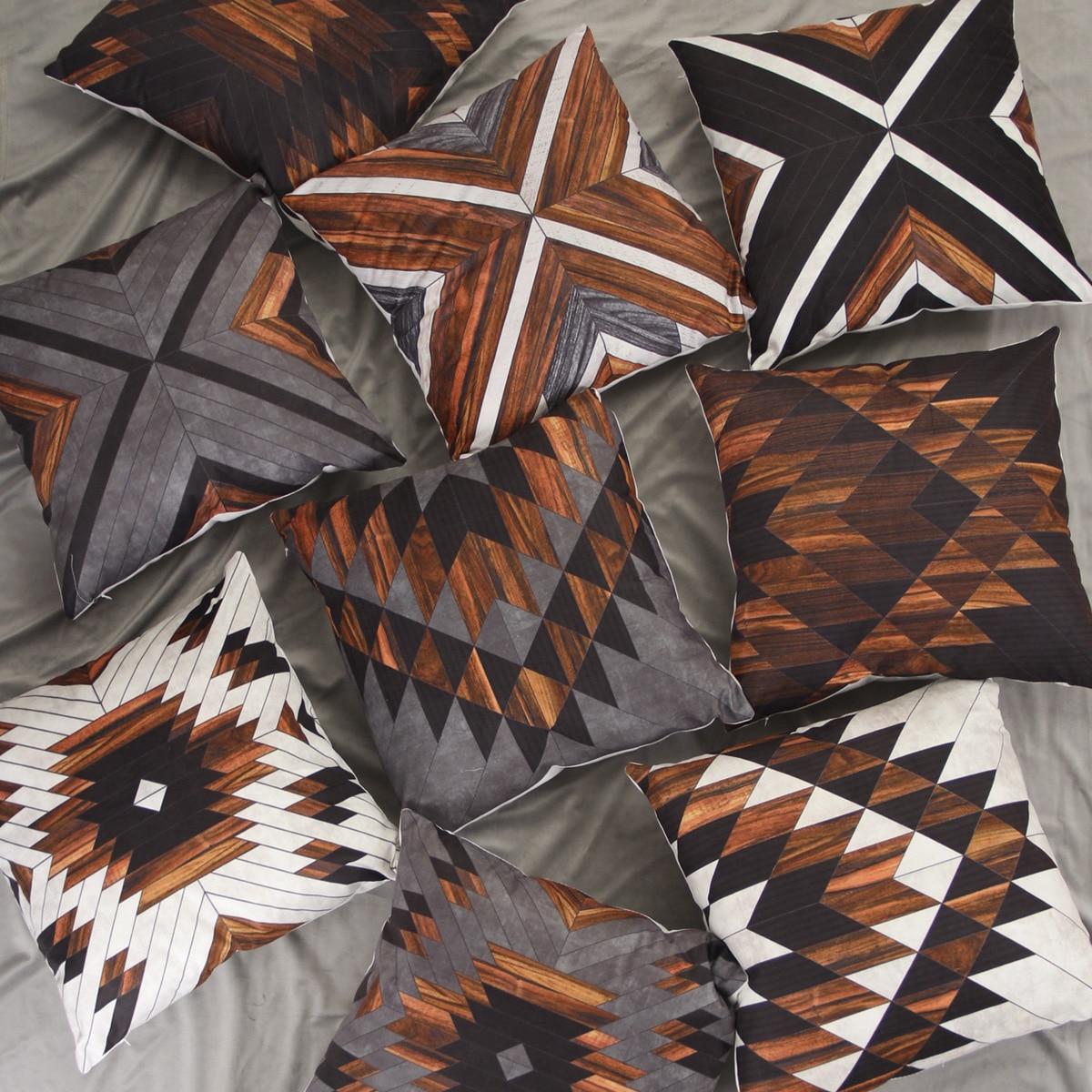 Kussenhoes met 1 st geometrisch patroon