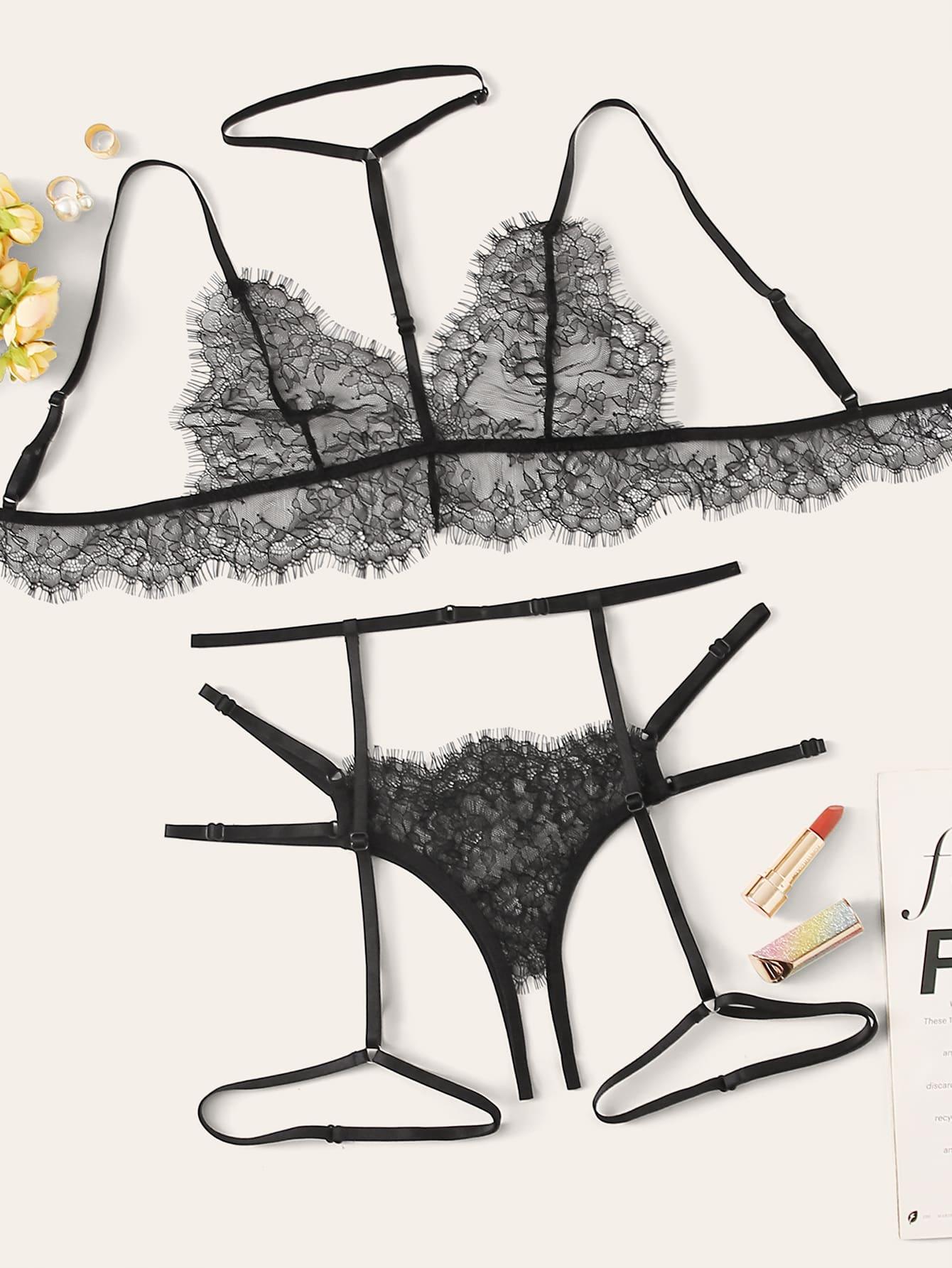 Комплект кружевного нижнего белья с подвязкой и чокером
