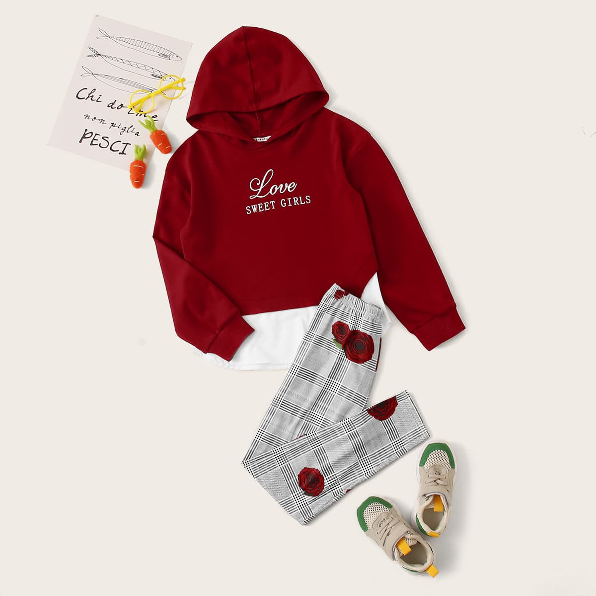 SHEIN / Girls Slogan Graphic Pullover & Karierte Hosen Set