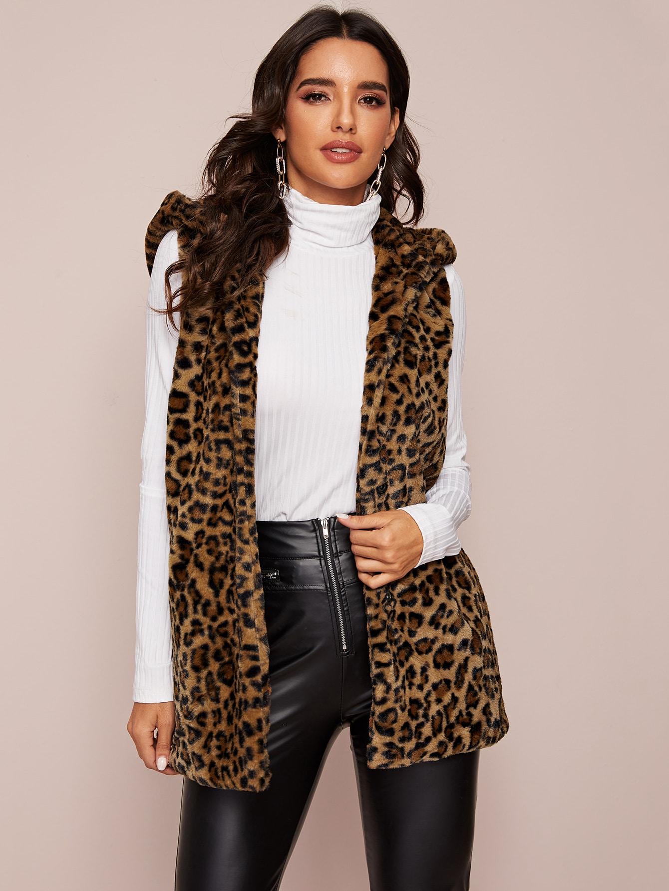 Леопардовое пальто-жилет из искусственного меха с капюшоном