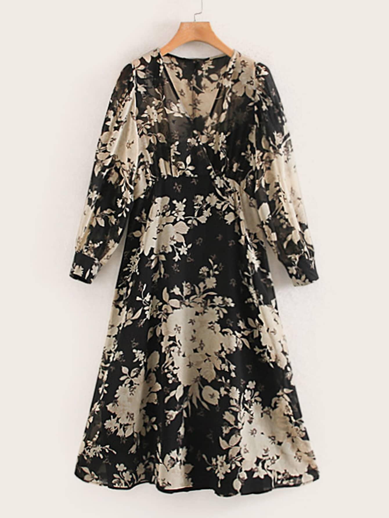 Платье с высокой талией и цветочным принтом