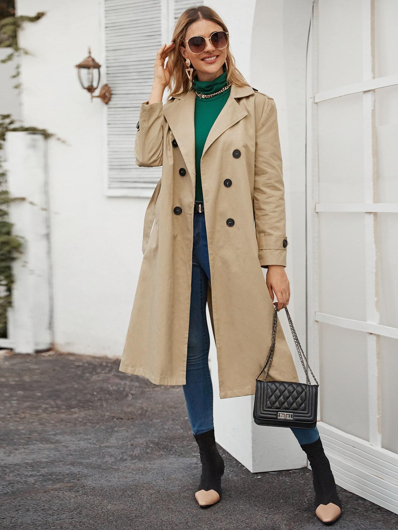 Двубортное пальто-тренч с поясом и карманом