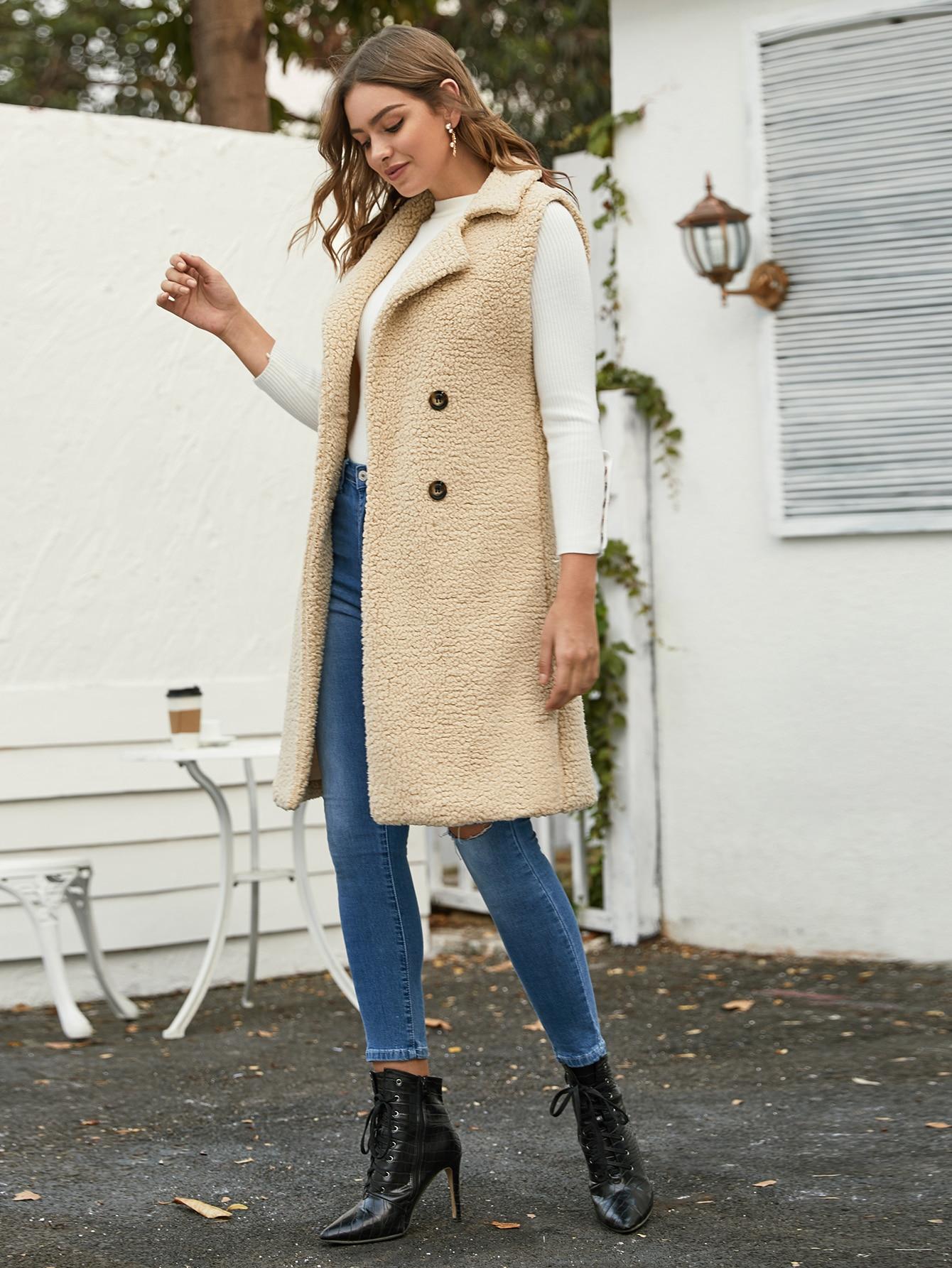 Двубортное плюшевое пальто-жилет