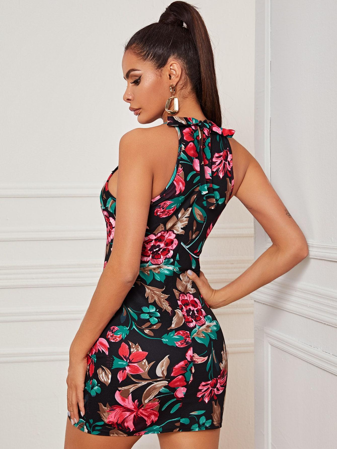 SHEIN / Vestido halter ajustado con estampado floral con encaje