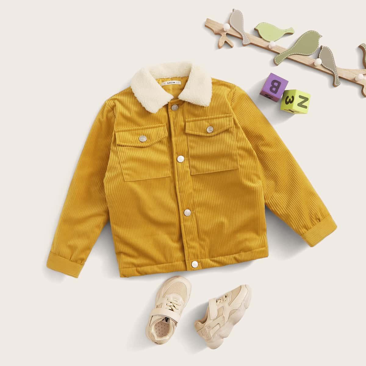 Вельветовая куртка с карманом и плюшевым вырезом для мальчиков от SHEIN