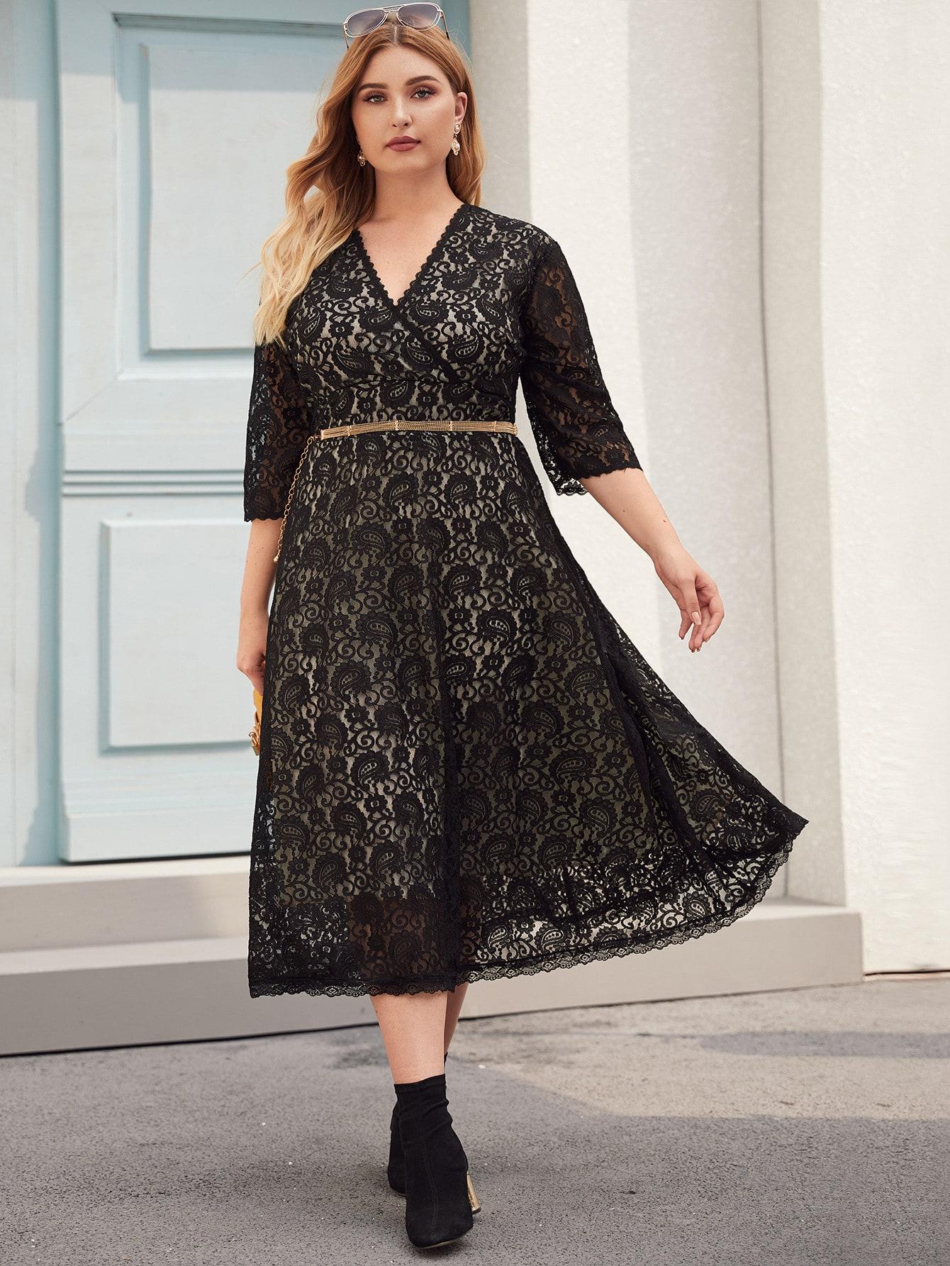 Кружевное платье размера плюс с v-образным вырезом без пояса