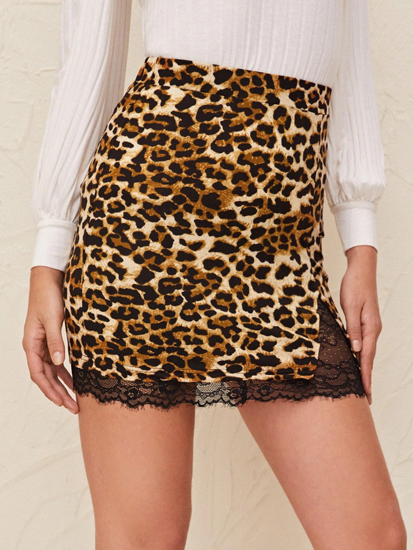 Юбка с леопардовым принтом и кружевной вставкой