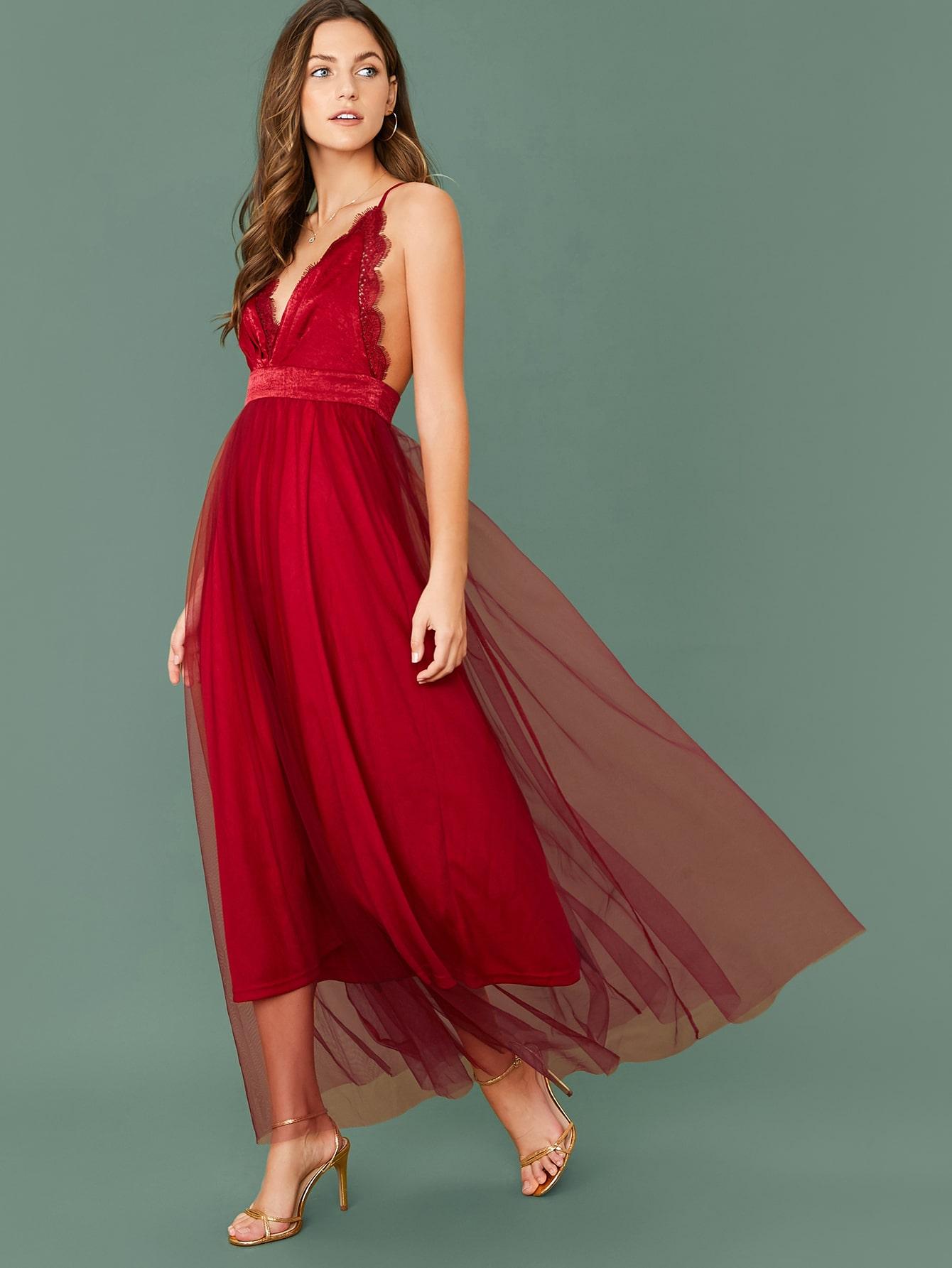 Сетчатое платье с кружевной отделкой и открытой спиной