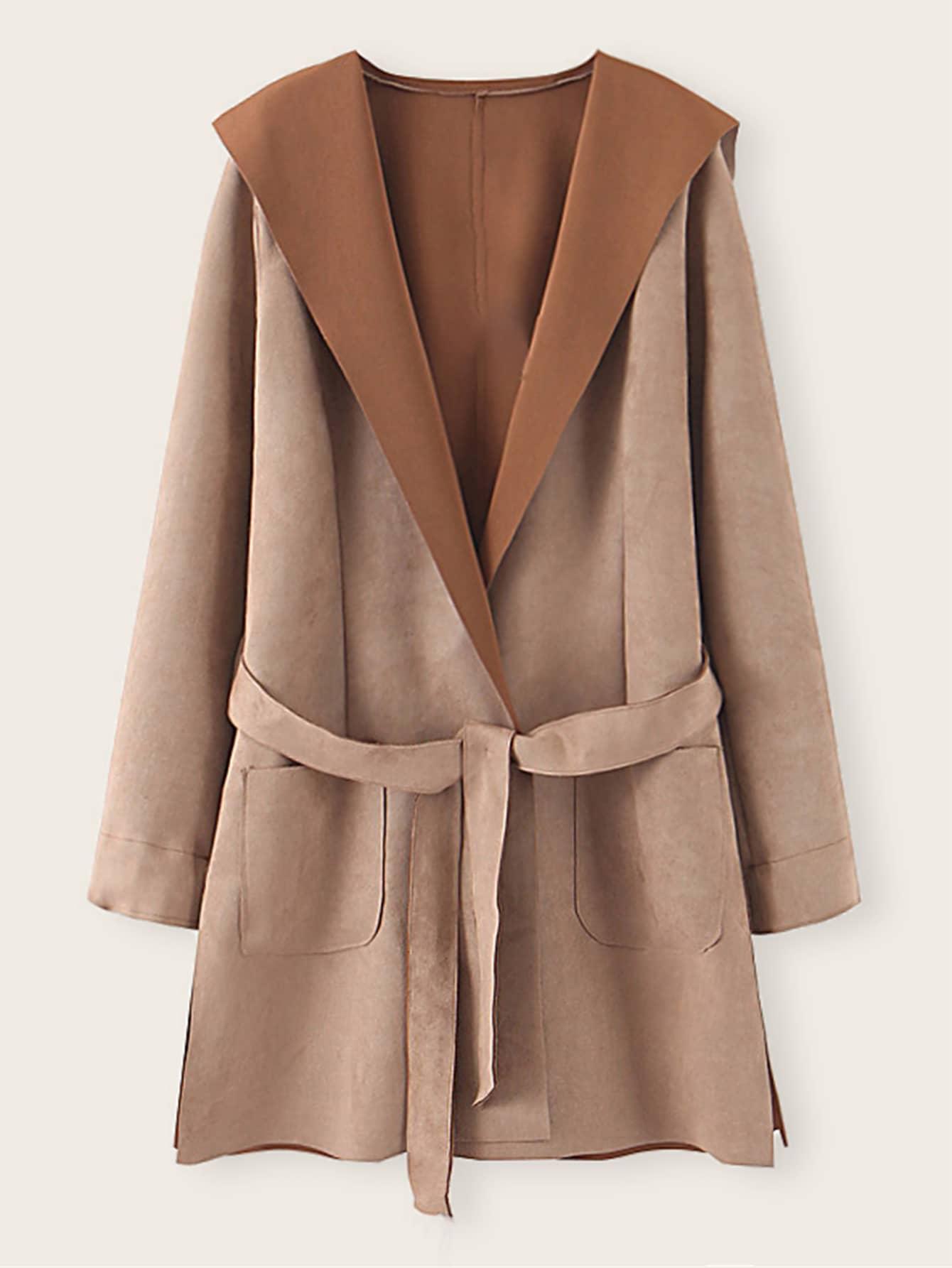 Замшевое пальто с капюшоном и поясом