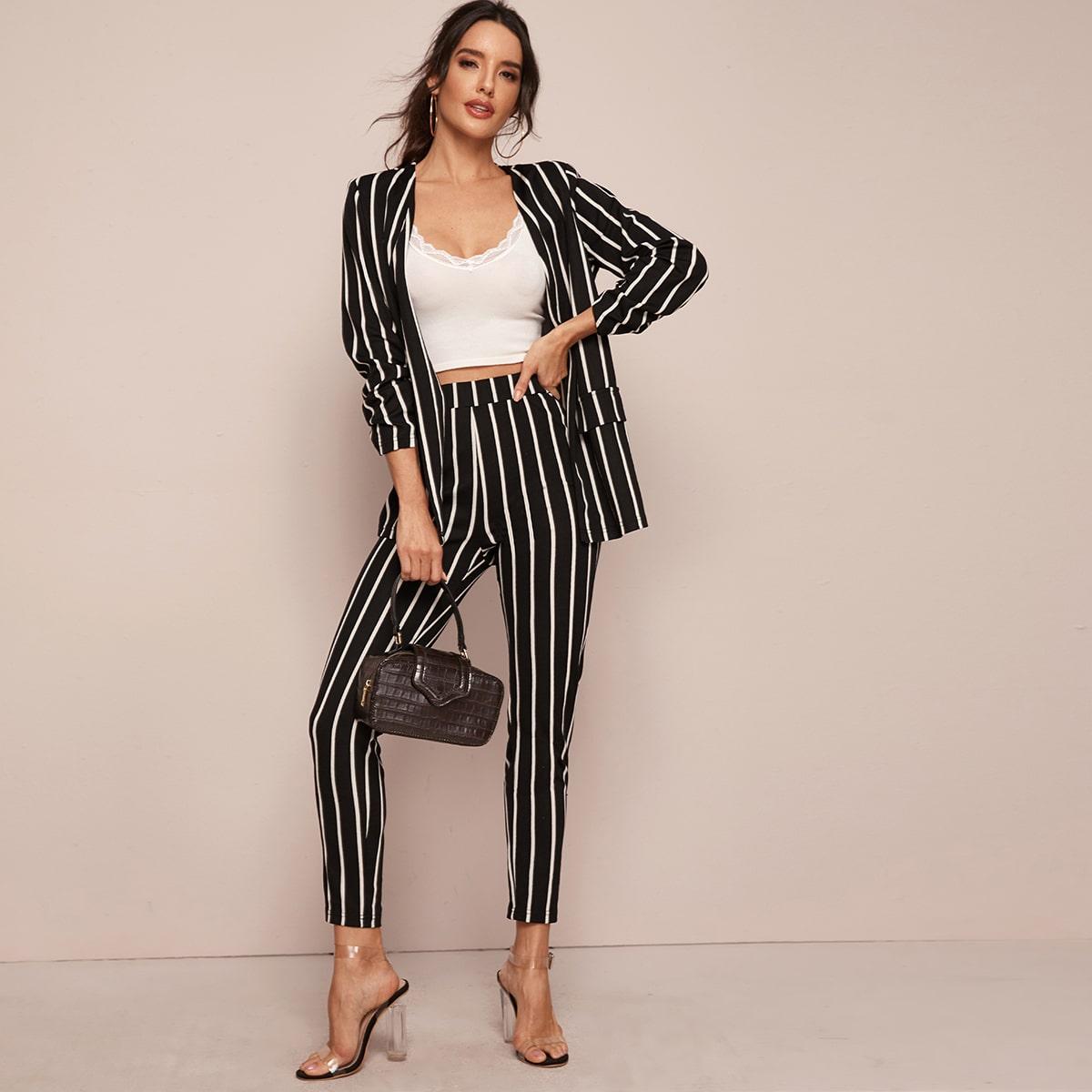 Стильные полосатые пиджак и брюки от SHEIN