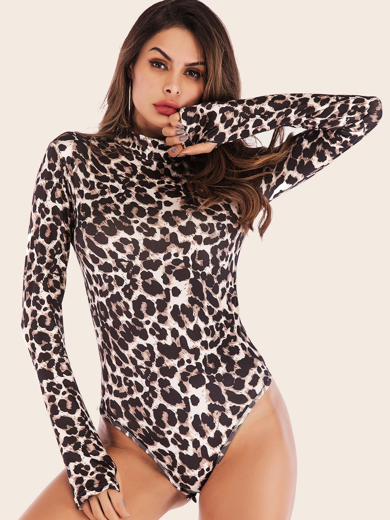 Боди с леопардовым принтом и воротником-стойкой