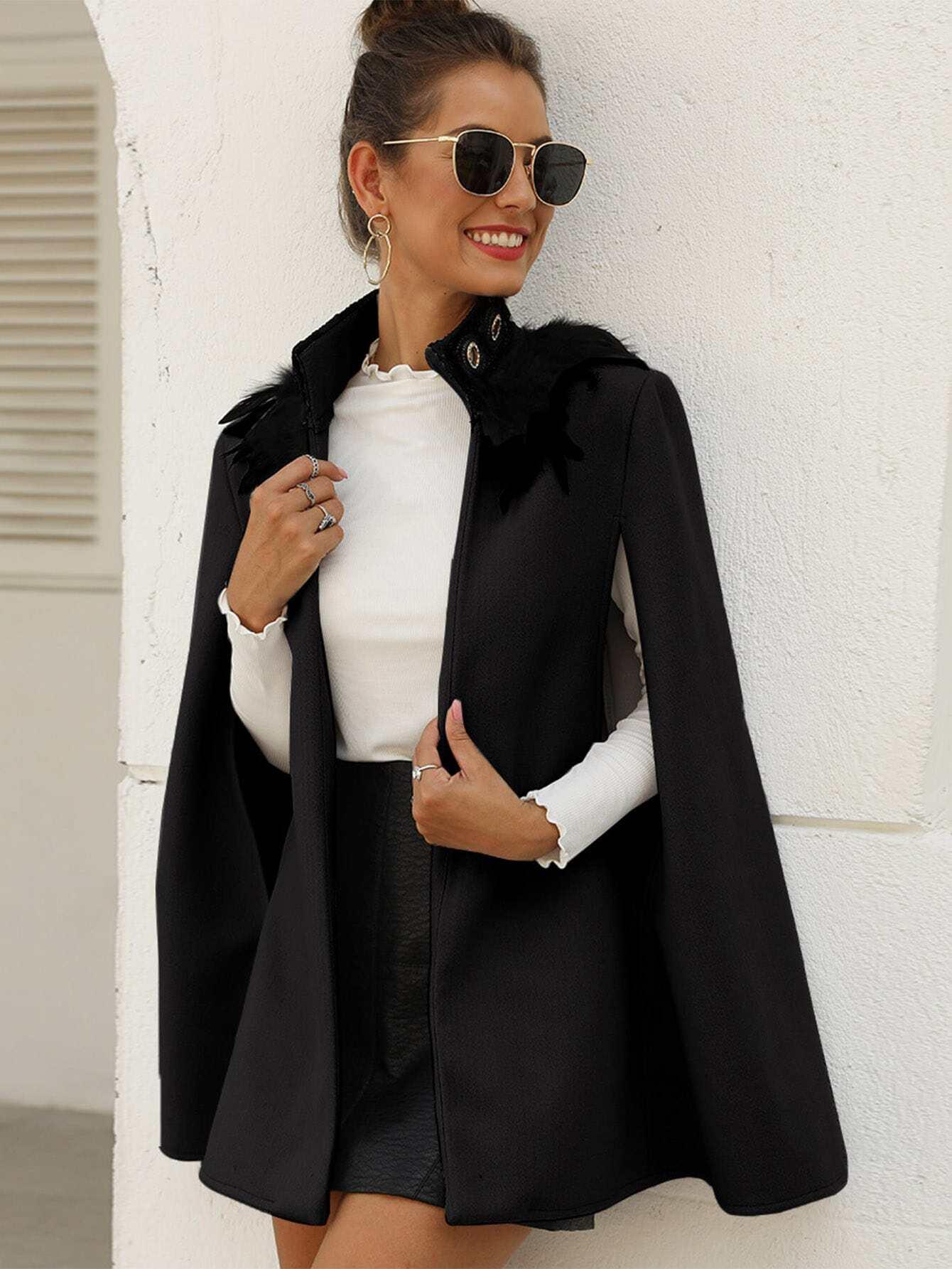 Однотонное твидовое пальто-кейп с искусственным мехом
