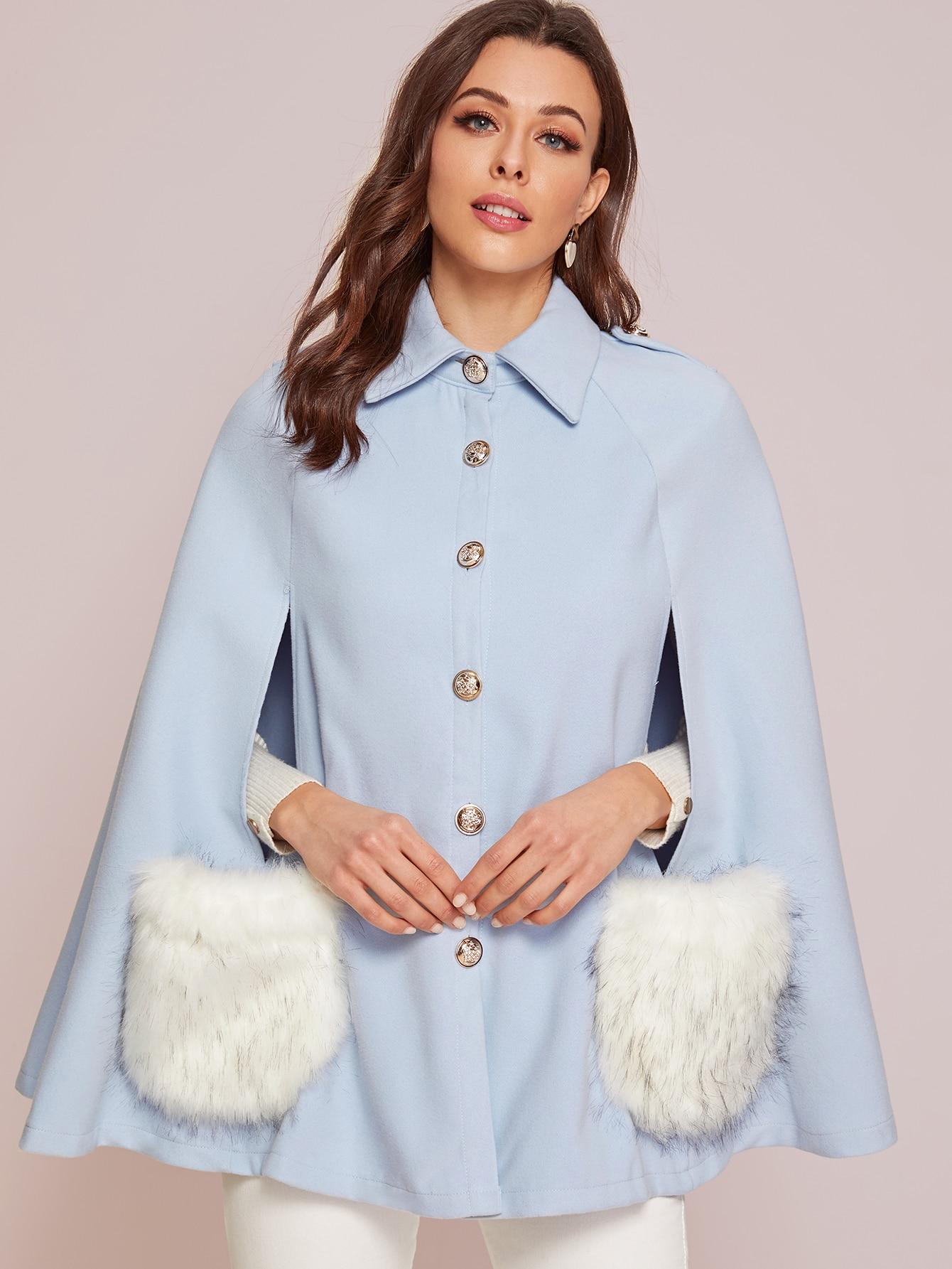 Однобортное пальто-кейп с карманом и искусственным мехом