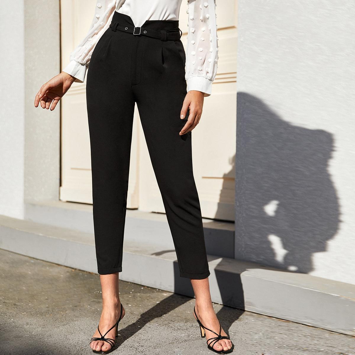 SHEIN / Pantalones cortos con cinturón de cintura alta unicolor