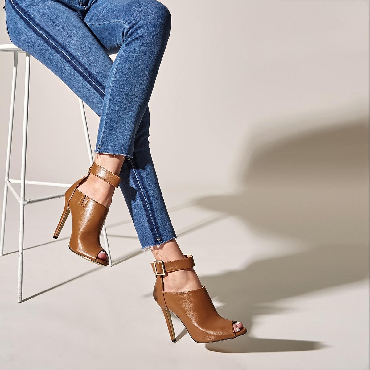 Туфли на шпильках с ремешком от SHEIN