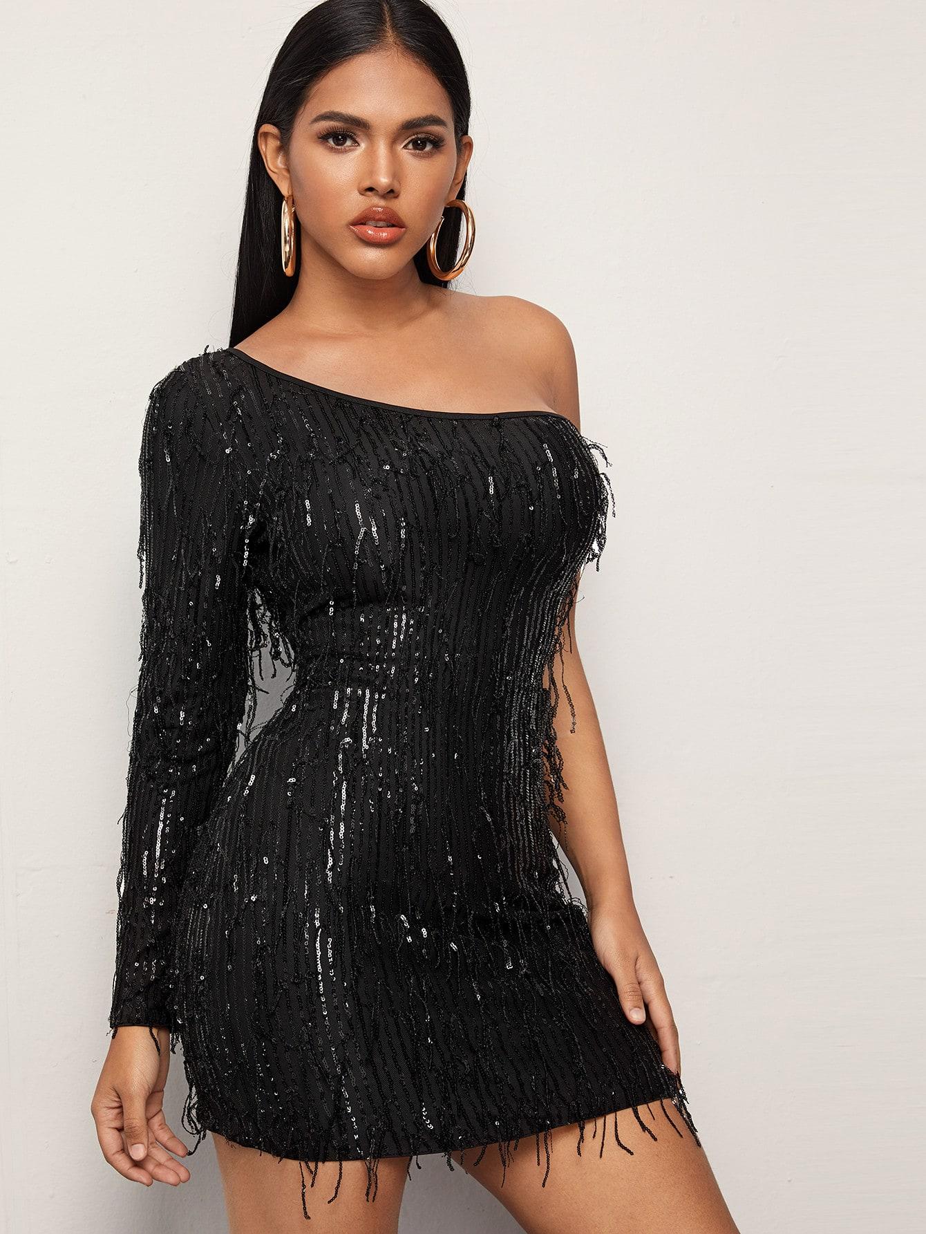 Облегающее платье на одно плечо с блестками