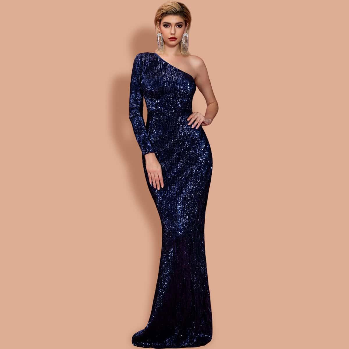 Блестящее облегающее платье на одно плечо фото