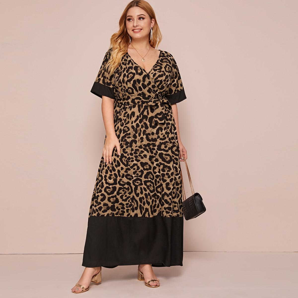 SHEIN / Vestido cruzado con cinturón con estampado de leopardo - grande