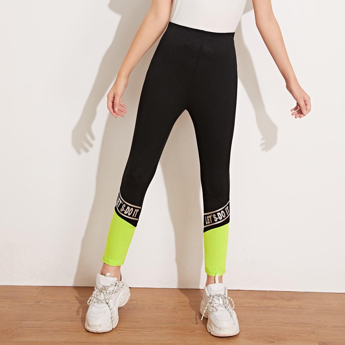 SHEIN / Mädchen Leggings mit Buchstaben Grafik und Farbblock