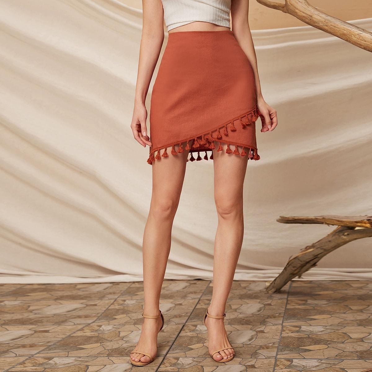 SHEIN / Falda mini con diseño de fleco bajo con tulipán