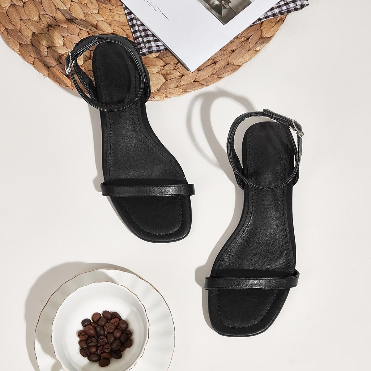 Platte sandalen met enkelbandje met open teen