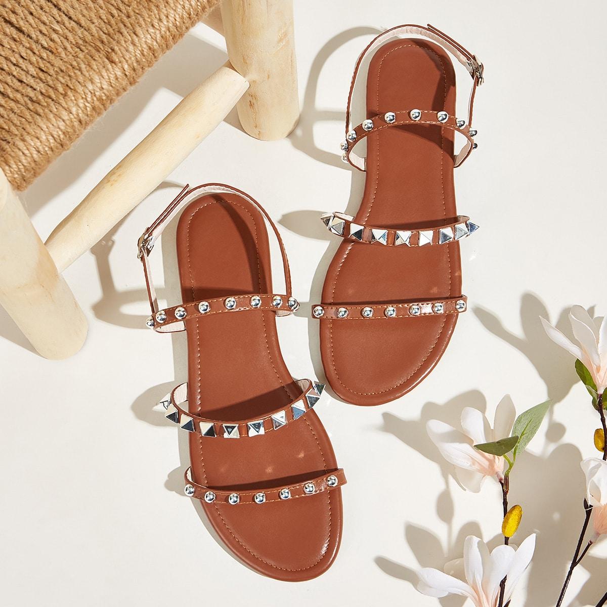 Platte sandalen met studs en strass decor