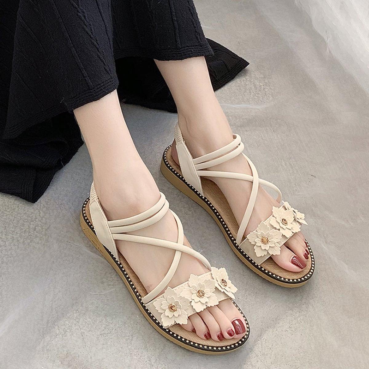Floral applique decor platte sandalen met gekruiste bandjes