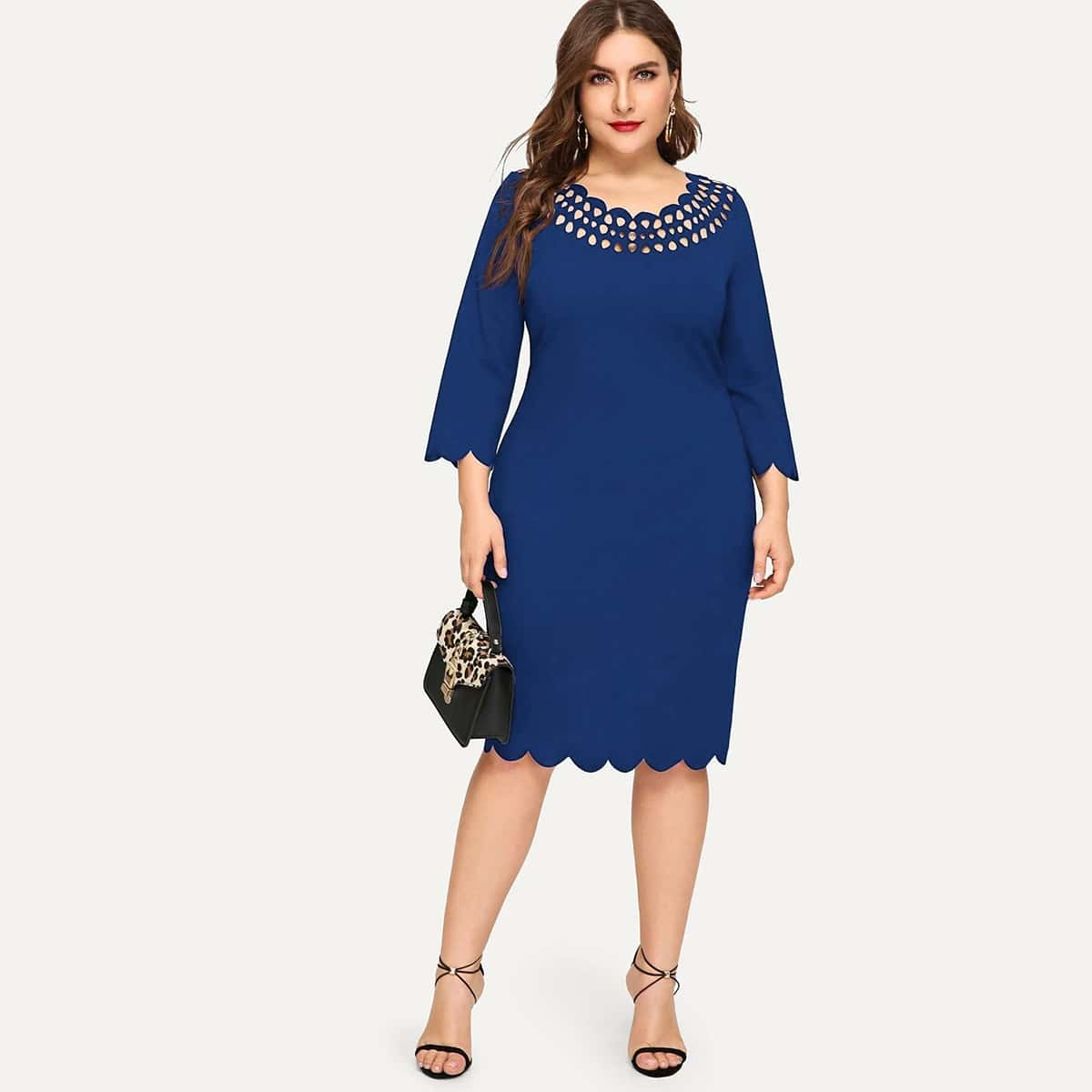 Размер плюс платье-футляр с фестончатым краем