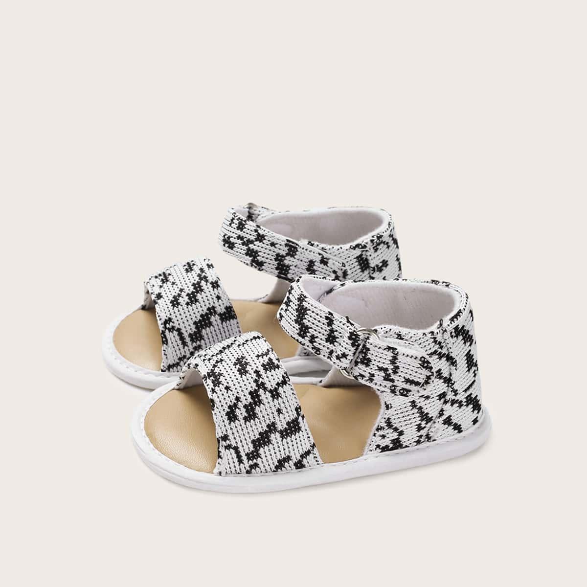 Klittenband sandalen met open teen en babymeisje