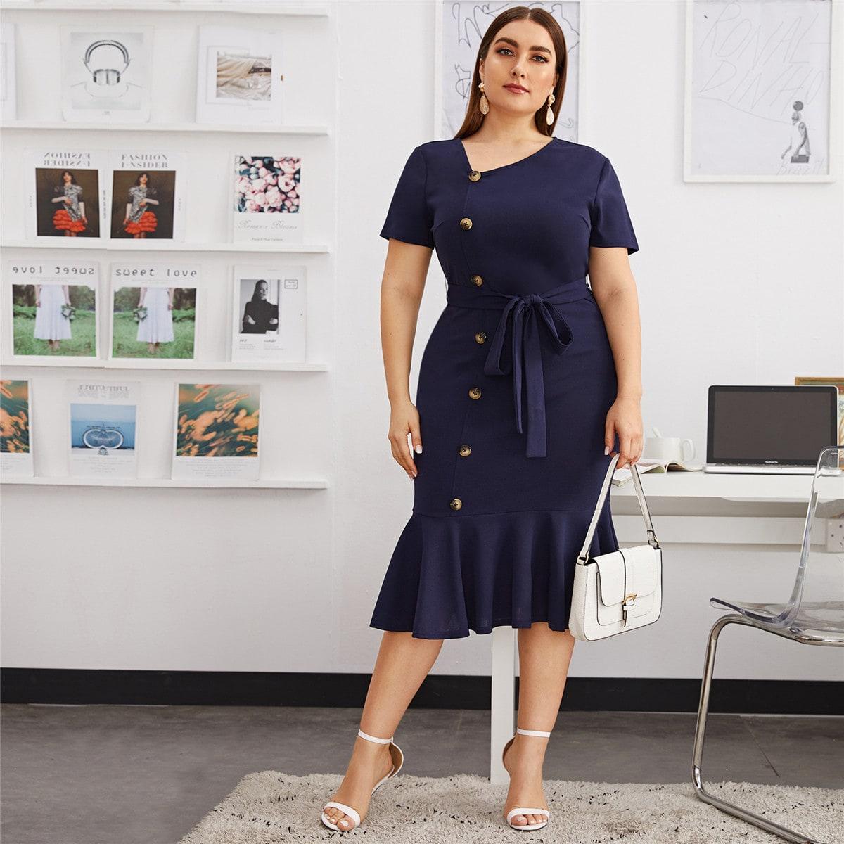 Однобортное платье размера плюс с поясом