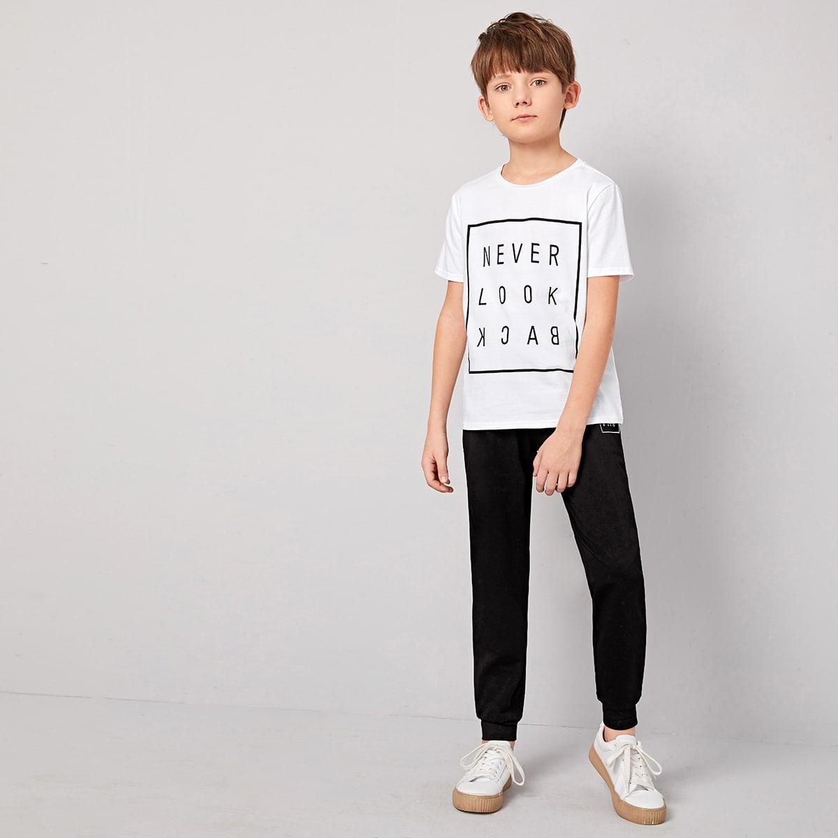 Футболка с текстовым прнтом и спортивные брюки для мальчиков от SHEIN