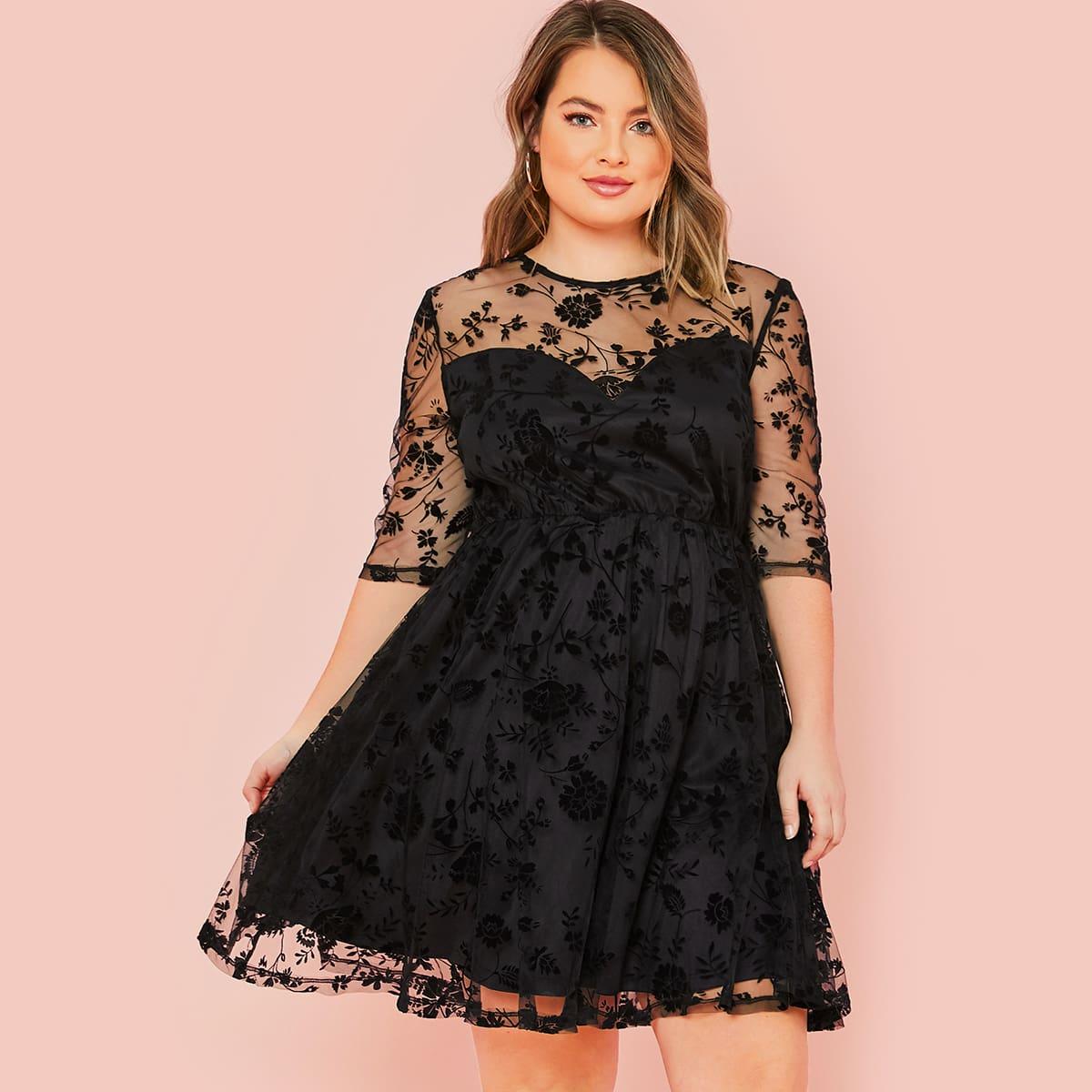 SHEIN / Große Größen - Kleid mit Blumen und Netzstoff
