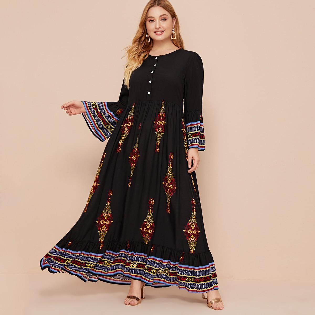 Платье размера плюс с пуговицами и племенным принтом