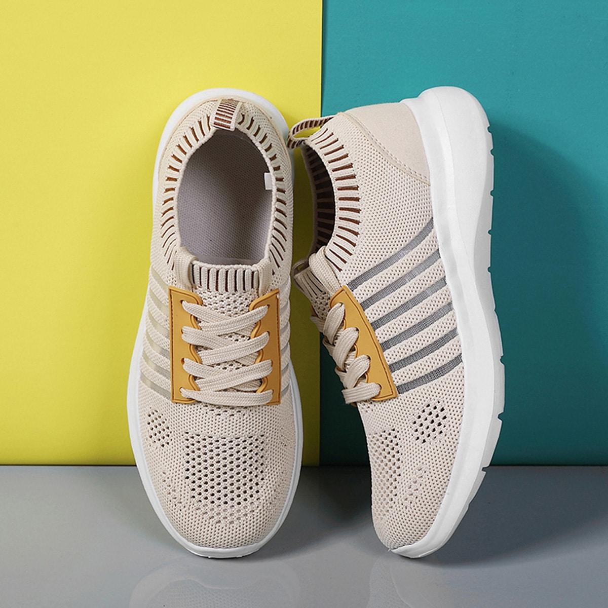 Трикотажные дышащие кроссовки с полосками от SHEIN