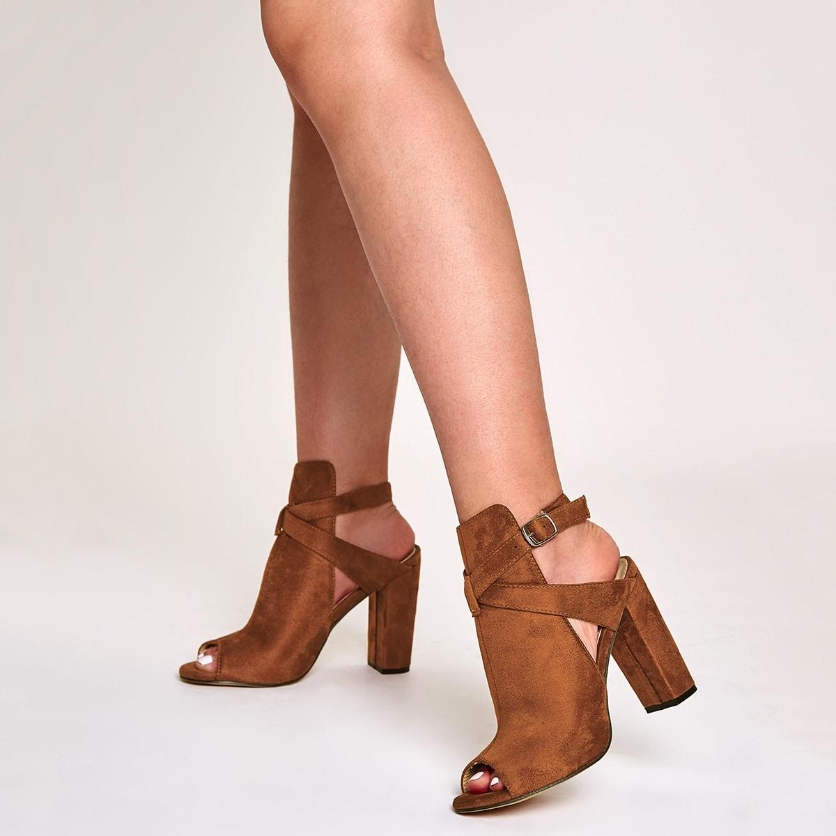 Туфли с массивным каблуком и открытым носком от SHEIN