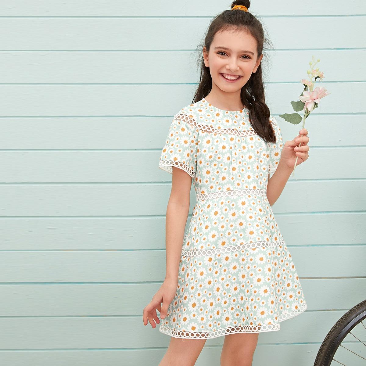 Платье с кружевной вставкой и цветочным принтом для девочек