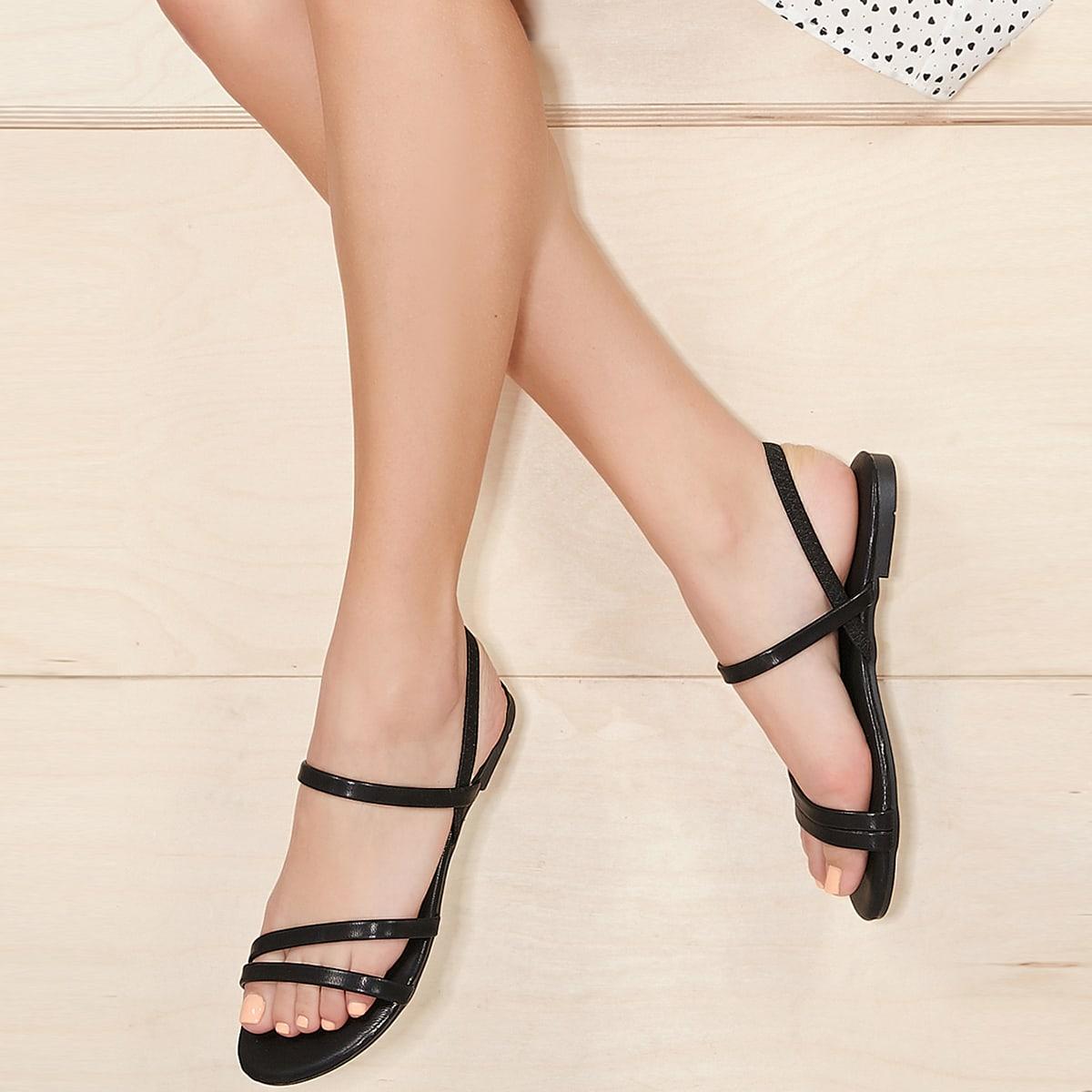 Сандалии на плоской подошве с открытым носком