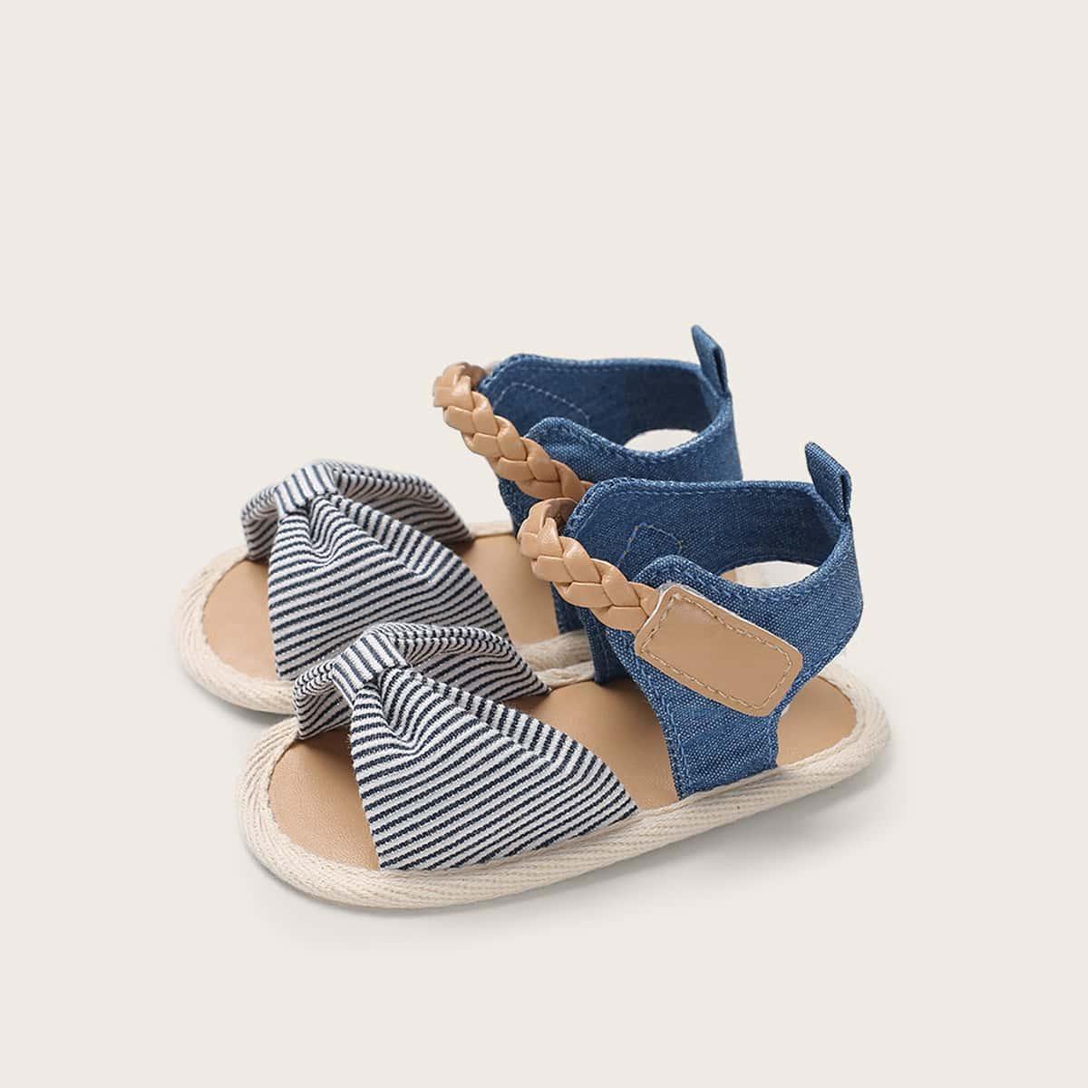 Полосатые сандалии с открытой пяткой для девочек от SHEIN