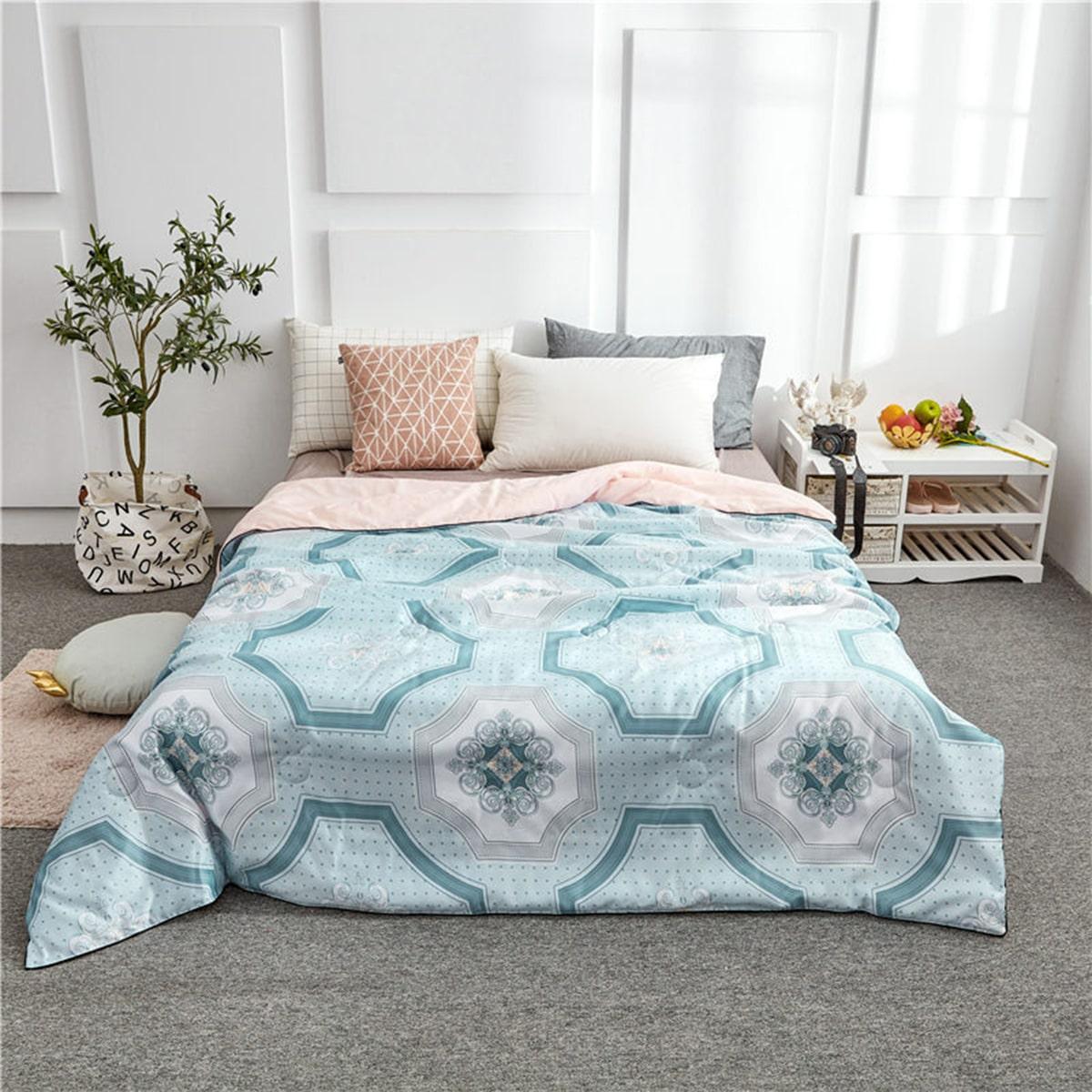 Geometrische & polka dot print quilt