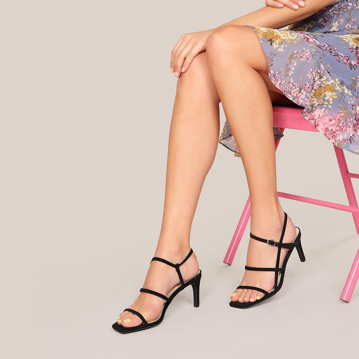 Сандалии на каблуках с открытой пяткой и квадратным носком