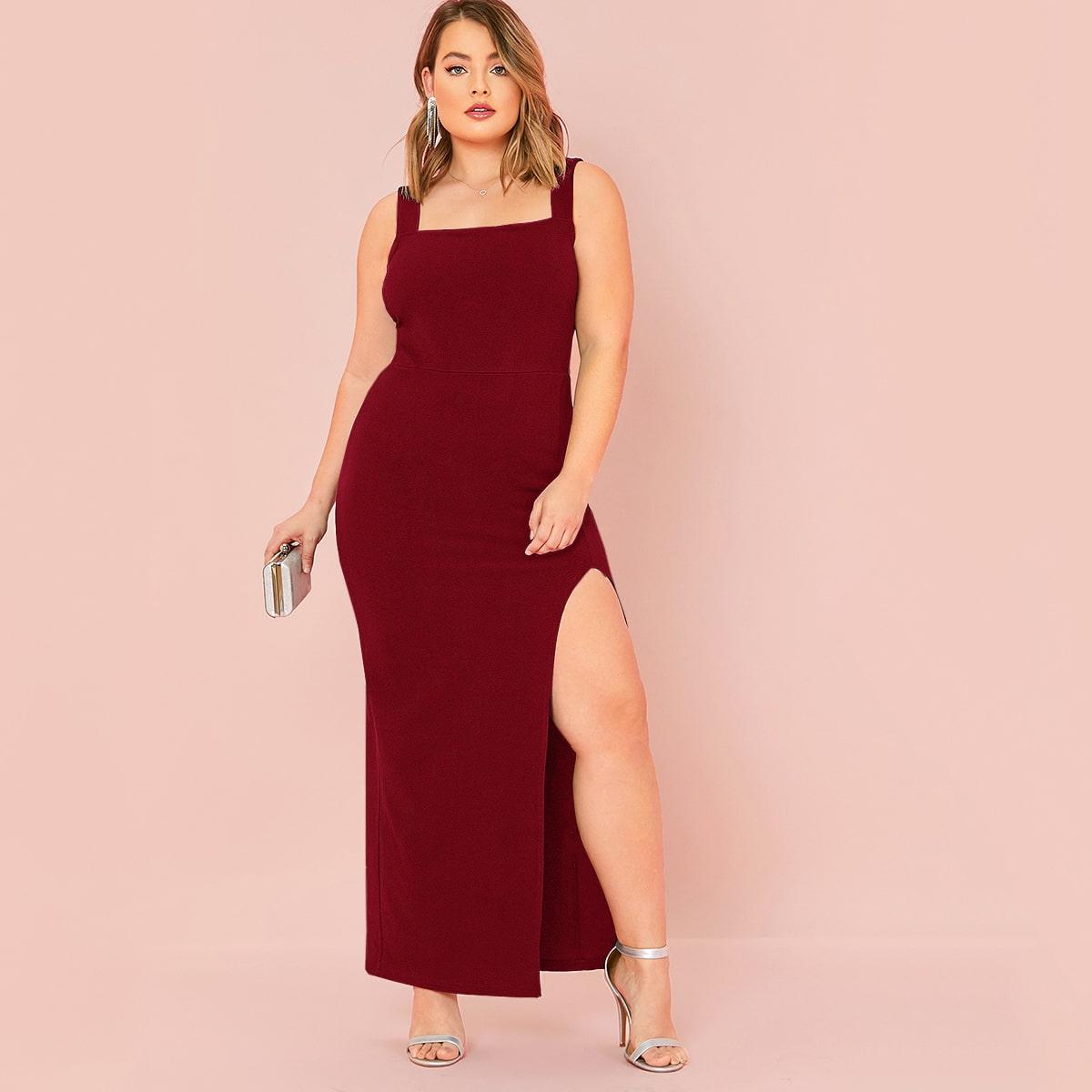 Однотонное макси платье размера плюс с разрезом