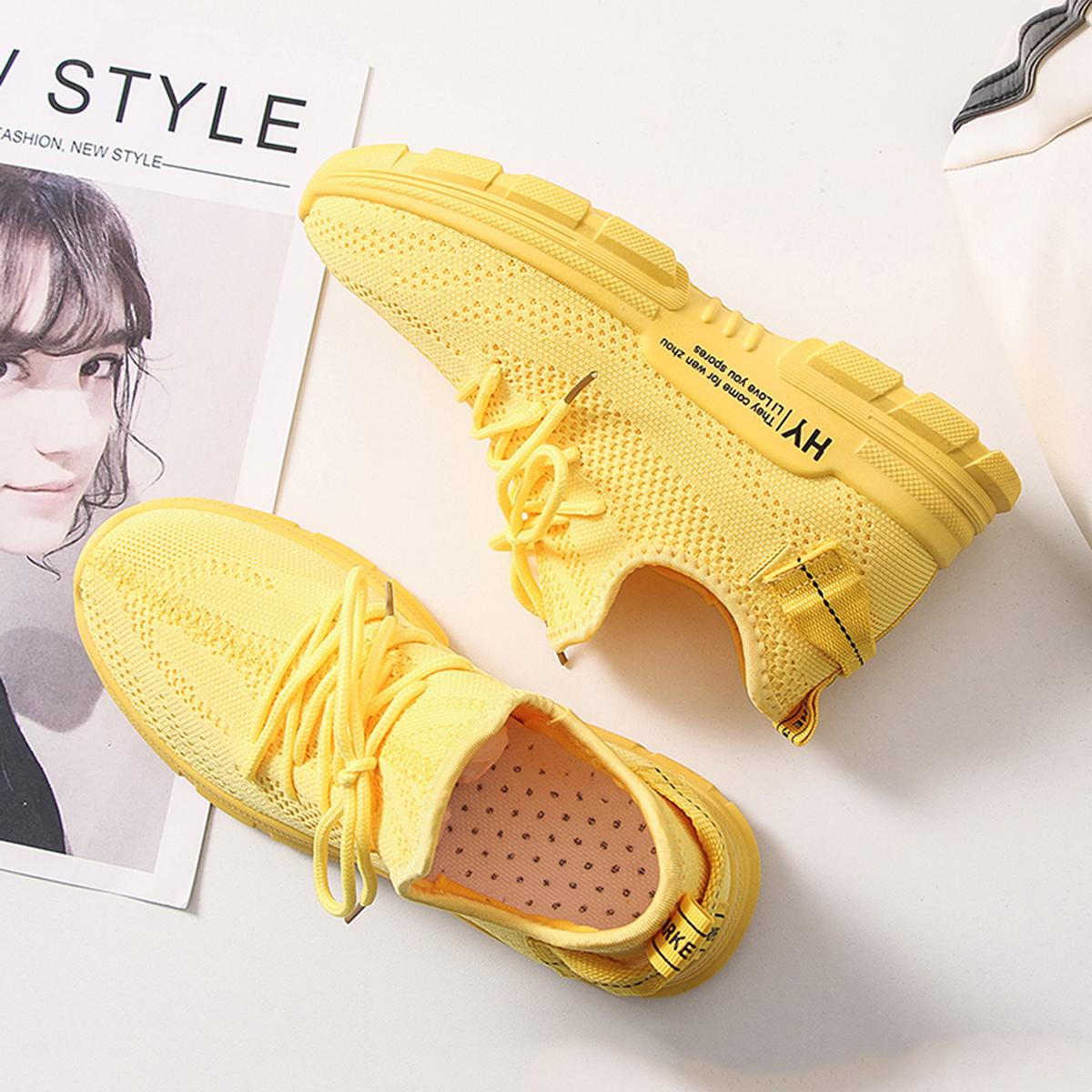Кроссовки на шнуровках от SHEIN