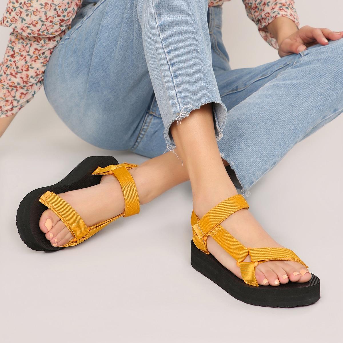 Сандалии на липучке с открытым носком