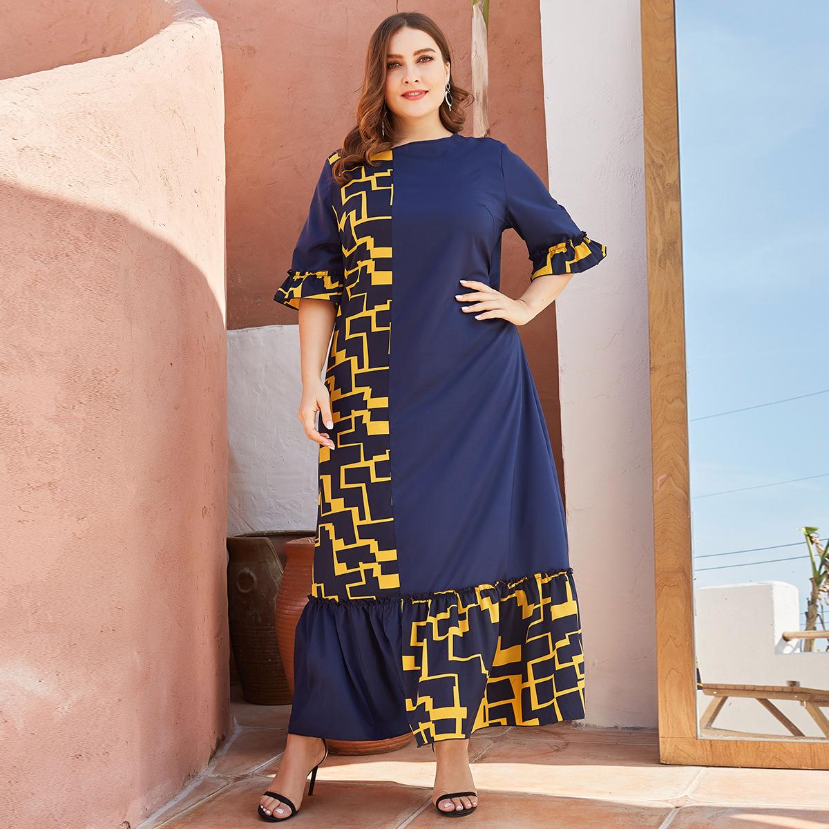 SHEIN / Große Größen - Kleid mit Geo Muster und Schößchenärmeln