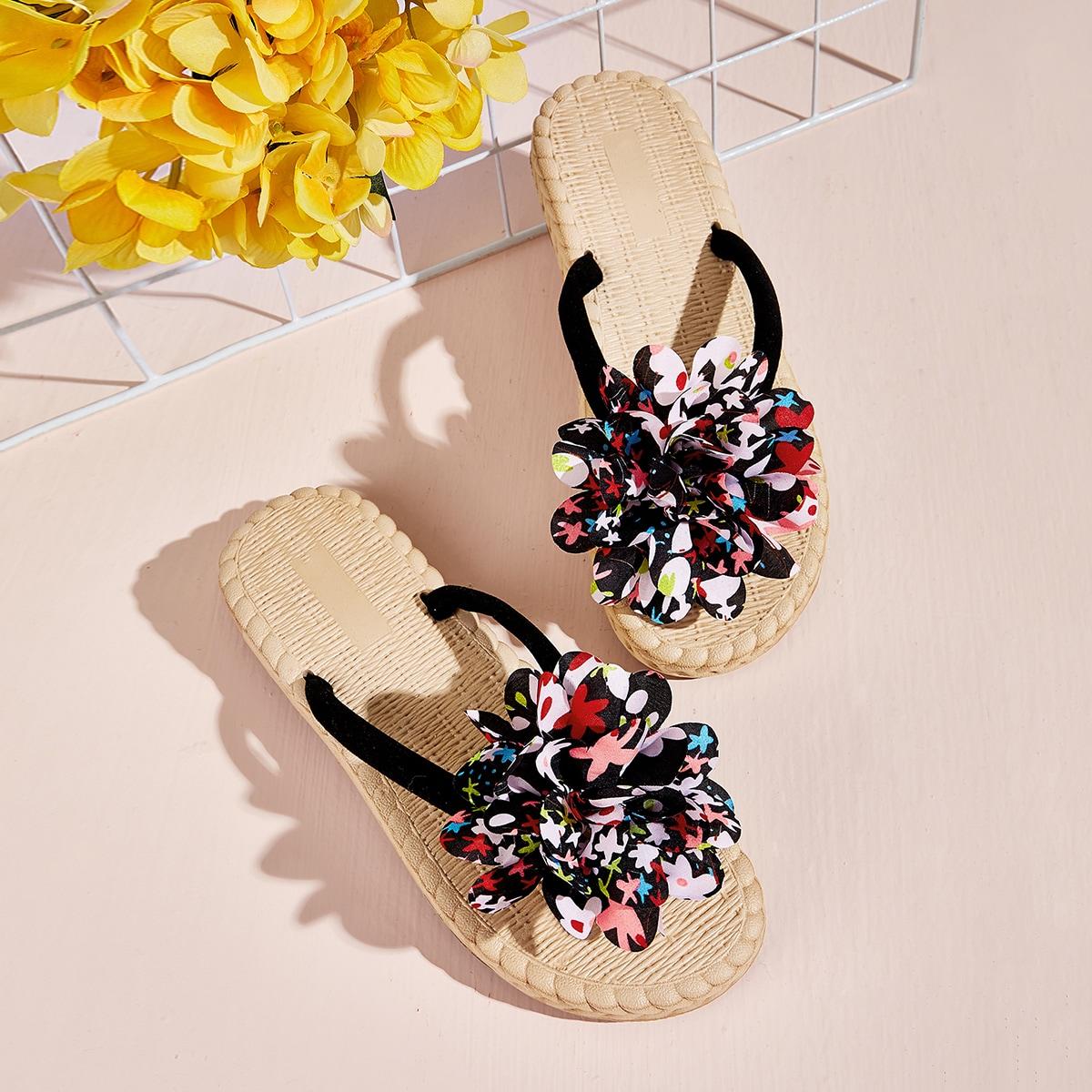 Сланцы с декором цветка 3D и плетеной подошвой от SHEIN