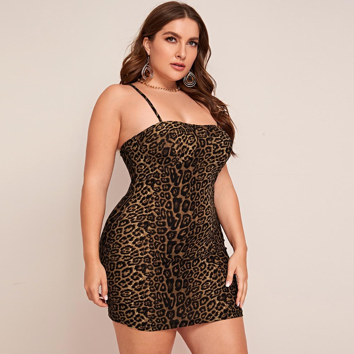 Платье на бретелях размера плюс с леопардовым принтом без цепного пояса фото