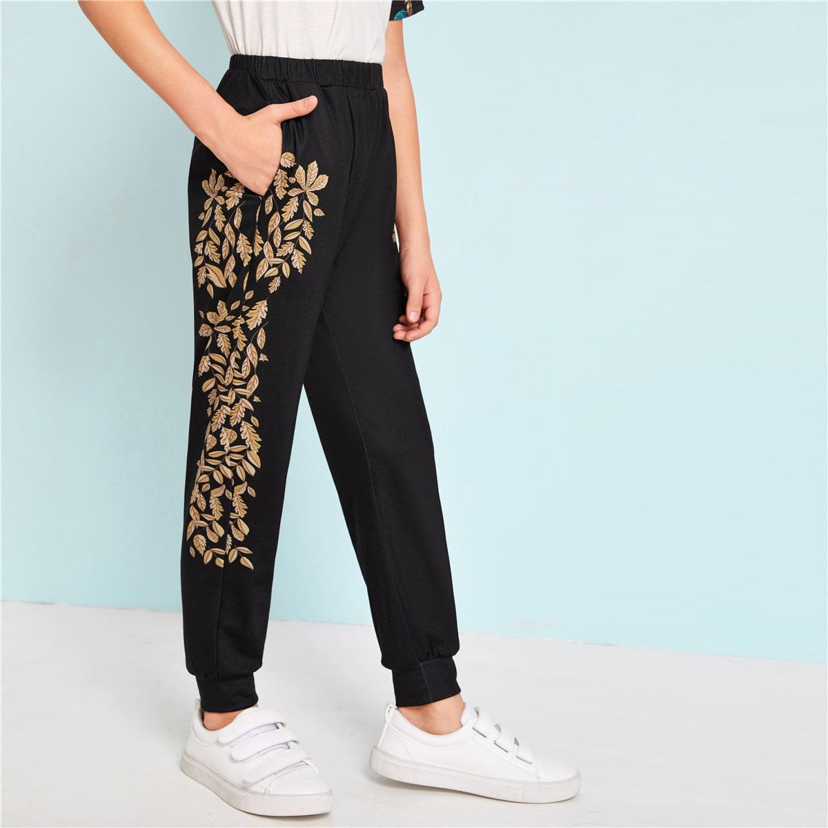 Спортивные брюки с лиственным принтом для мальчиков от SHEIN